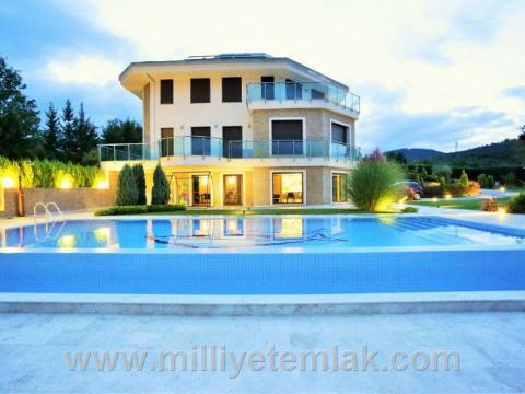 Emlak | Konut - Satılık - Villa - MAGNIFICENT VILLA IN ISTANBUL WITH 5.000 M2 PRIVATE GARDEN